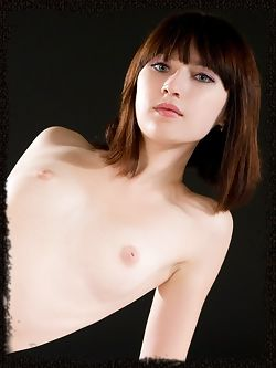 New model with a petite frame and fashionable brown hair with glowing white skin, all naked and wonderful.